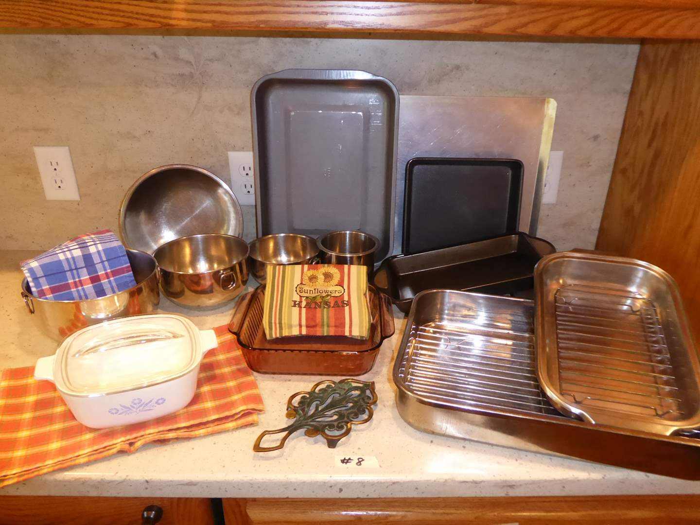 Lot # 8 - Baking Pans & Bowls (main image)