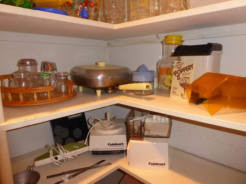 Lot # 22 - Cuisinart Pasta Attachment, West Bend Popper & Sunbeam Fry Pan    (main image)
