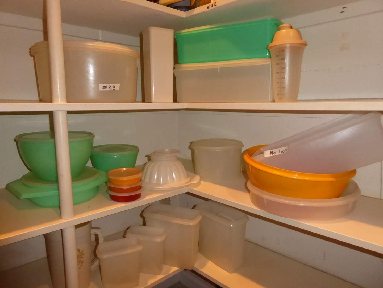 Lot # 23 - Vintage Tupperware Lot  (main image)