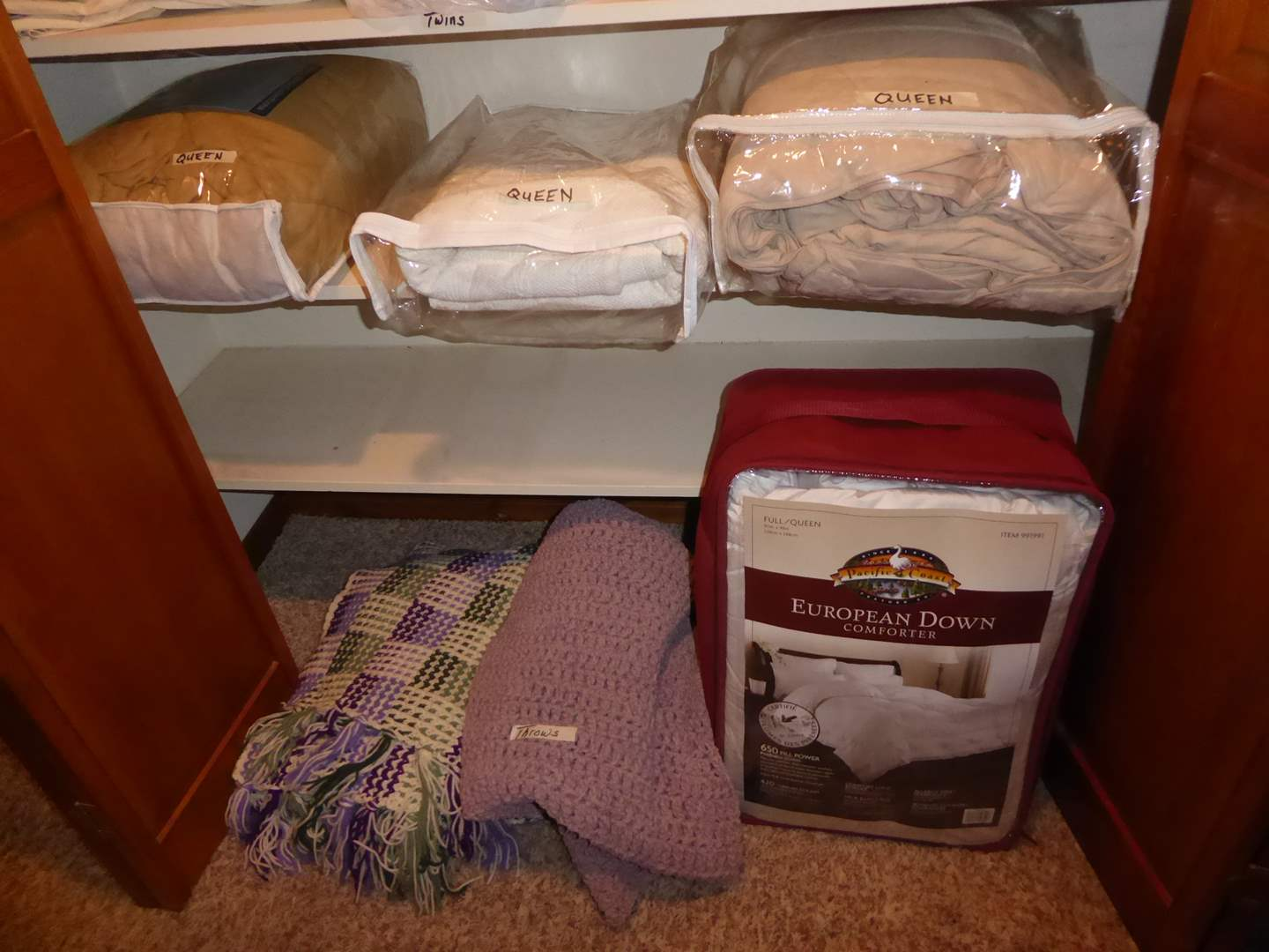 Lot # 208 - Queen Bedspreads & Nice Handmade Oversized Throws  (main image)