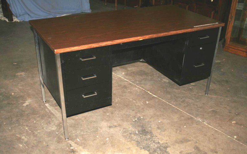 Lot #30 - Large Metal Office Desk (main image)