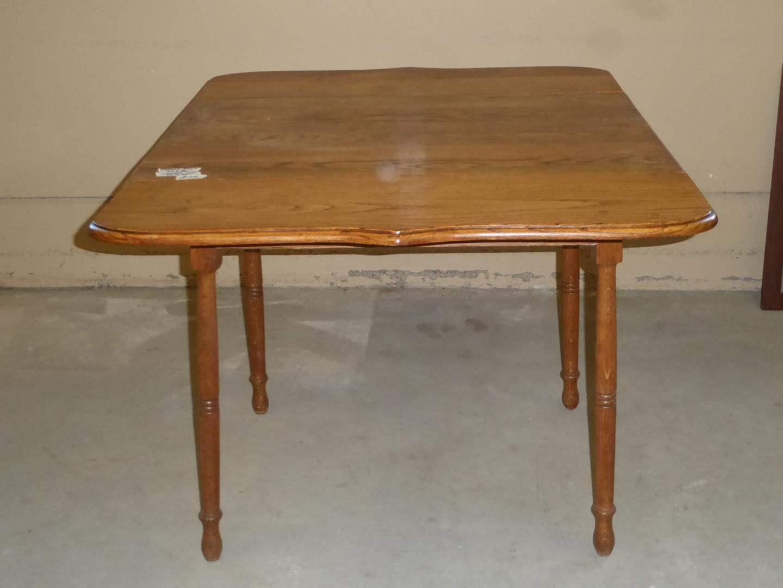 Lot # 70 - Vintage Solid Oak Drop Leaf Dining Table (main image)