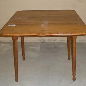 Lot # 70 - Vintage Solid Oak Drop Leaf Dining Table