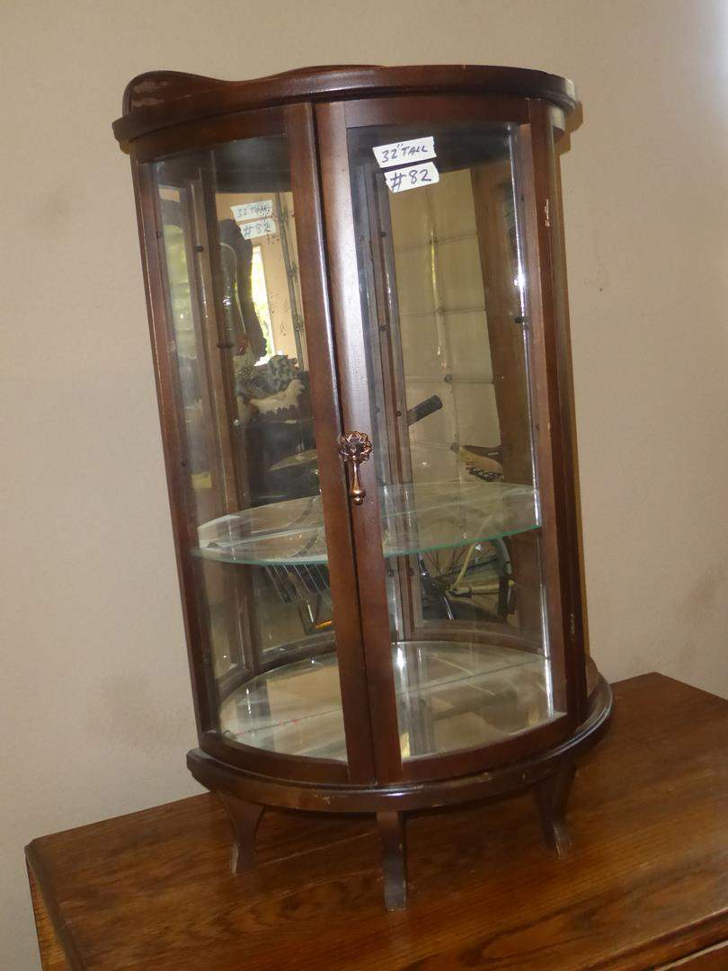 Lot # 82 - Small Mirrored Back Curio Cabinet (main image)