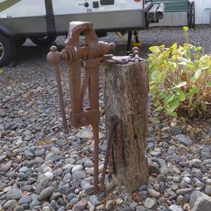 Lot # 15 - Antique Vise Yard Art (Needs To Be Removed From Stump)