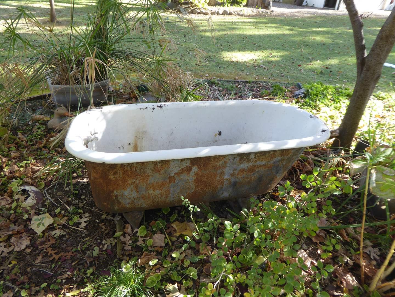 Lot # 23 - Vintage Porcelain Bathtub W/Feet (Must Bring Help To Move)  (main image)