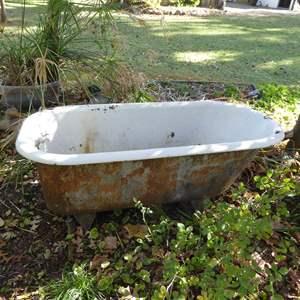 Lot # 23 - Vintage Porcelain Bathtub W/Feet (Must Bring Help To Move)