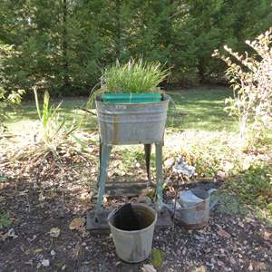 Lot # 30 - Vintage Galvanized Metal Wash Tub W/Hand Crank Ringer