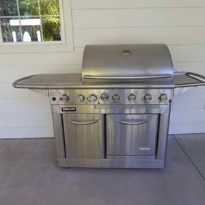 Lot # 107 - Kirkland Grill (Oven Edition) Propane W/Electric Oven