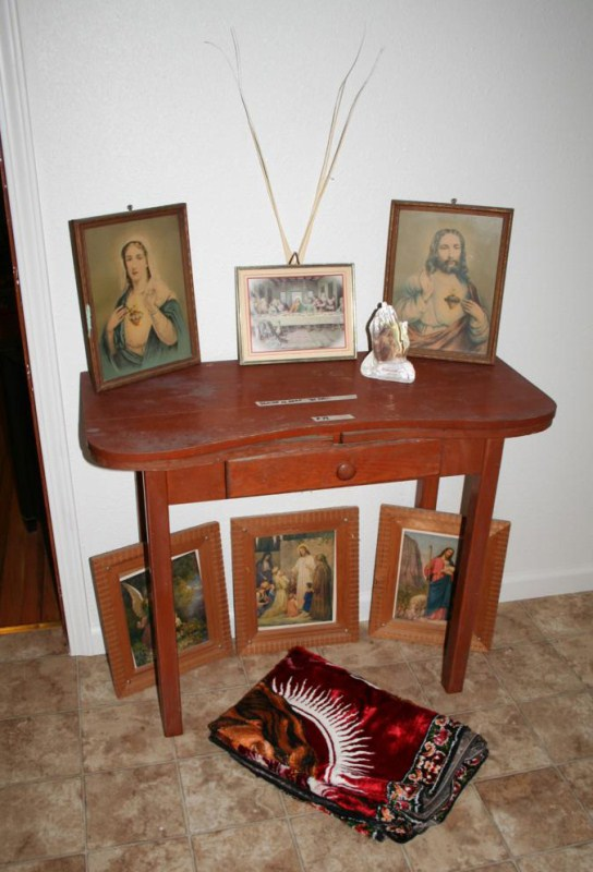 Lot #73 - Small Table with Vintage Religious Prints & Tapestry (main image)