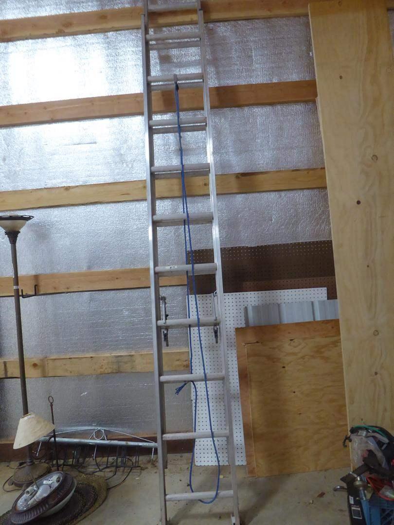 Lot # 75 - Louisville 20' Extension Ladder