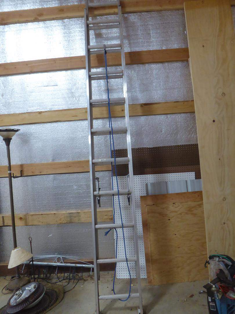 Lot # 75 - Louisville 20' Extension Ladder (main image)