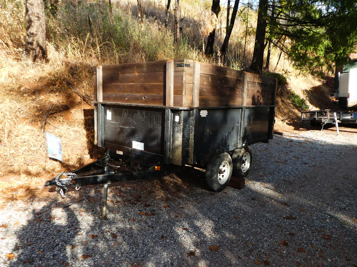 Lot # 300 - Dump Trailer 10' x 6' with 4 Ft Sides - Tandem Axels