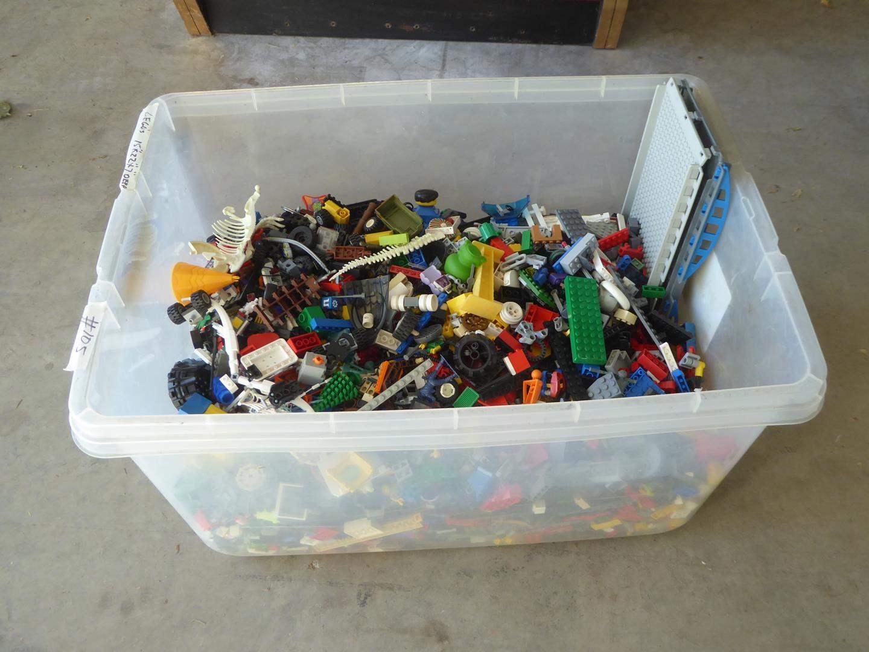 Lot # 105 - Tub of Assorted Legos (main image)