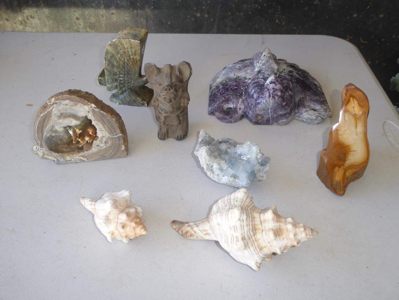 Lot # 126 - Stone Art, Rocks & Shells (main image)