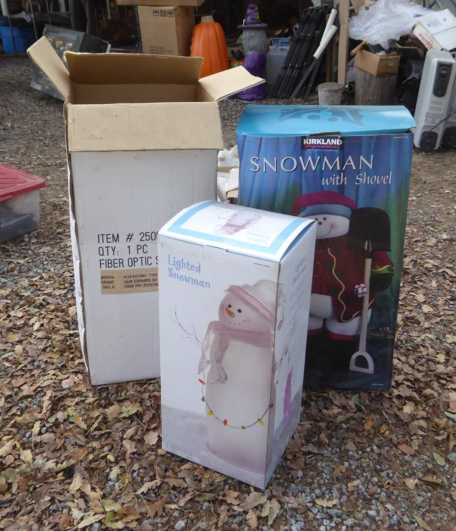 Lot # 21 - Lighted Snowman, Fiber Optic Snowman & Snowman W/Shovel  (main image)