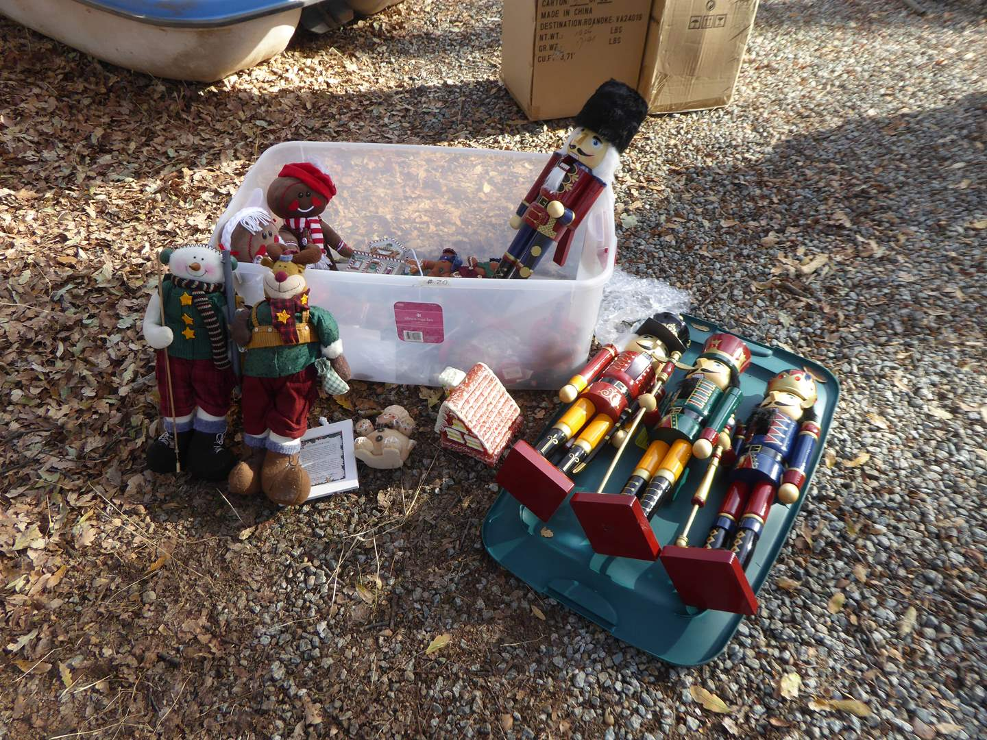 Lot # 22 - Nutcrackers, Gingerbread Men & other Christmas Decor  (main image)