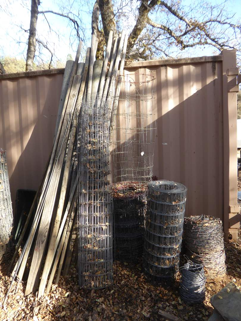 Lot # 33 - Metal Fencing, Barbed Wire & Wooden Posts  (main image)