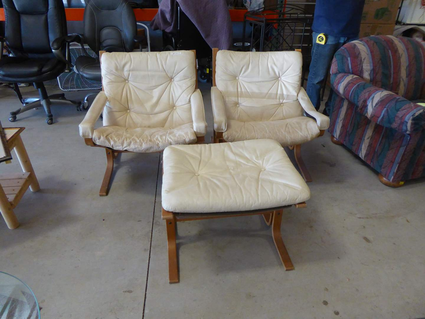 Lot # 253 - 1970's Westnofa Norway (Mid Century Style) Chairs (main image)