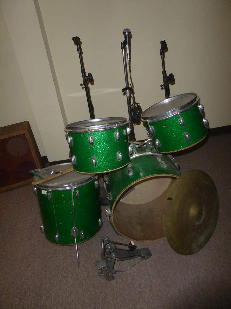 Lot # 51 - Drum Set, Microphone & Microphone Stands (main image)