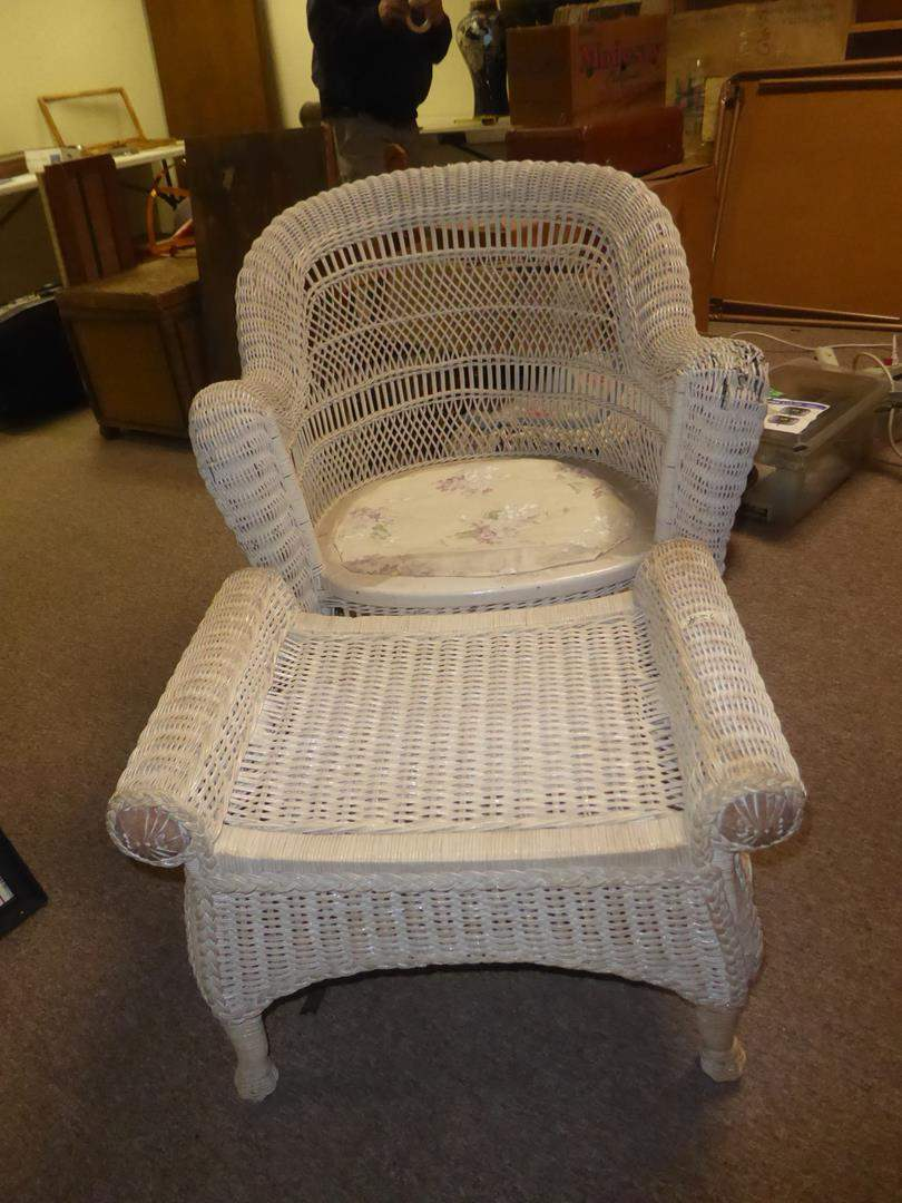 Lot # 56 - Vintage White Wicker Chair & Ottoman (main image)