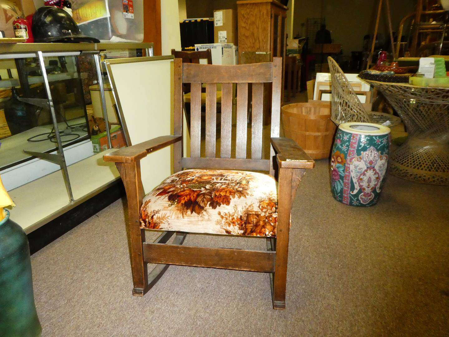 Lot # 113 - Vintage/Antique Solid Oak Rocking Chair (main image)