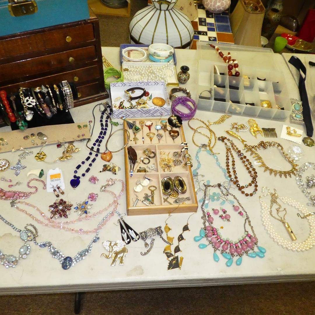 Lot # 141 - Lot of Costume Jewelry  (main image)