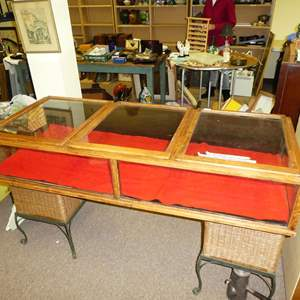 Auction Thumbnail for: Lot # 146 - Nice Antique/Vintage Table Top Display Cabinet - From Tobacco Store