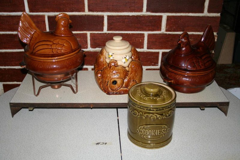 Lot #34 - Vintage Cookie Jars & Nesting Hen Servers ~ California and Monmoth Pottery (main image)