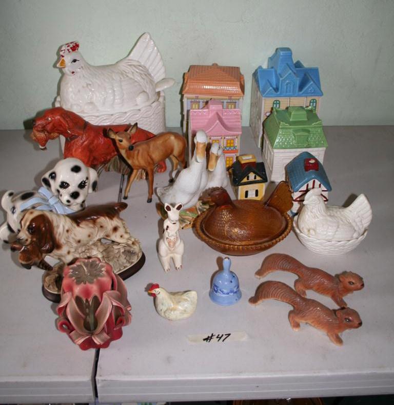 Lot #47- Vintage Nesting Hen and Nesting Hen Tureen -  Figurines (main image)
