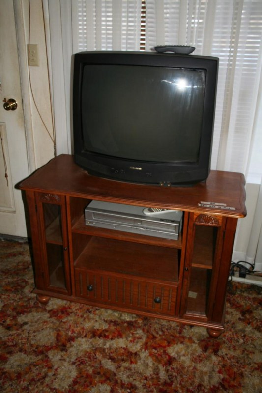 "Lot #84 - Admiral 25"" TV with Stand & DVD Player (main image)"