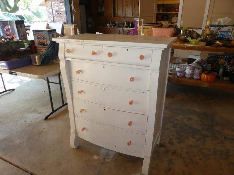 Lot # 20 - Vintage Wooden 6 Drawer Chest (dovetailed drawers) (main image)