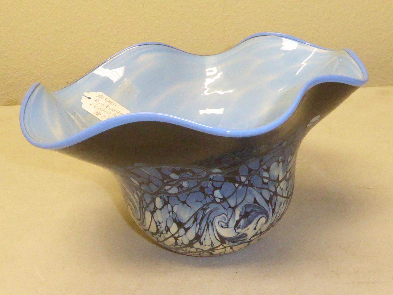 Lot # 76 - Vintage Blue & White Fenton Art Glass Bowl 206/500 (main image)