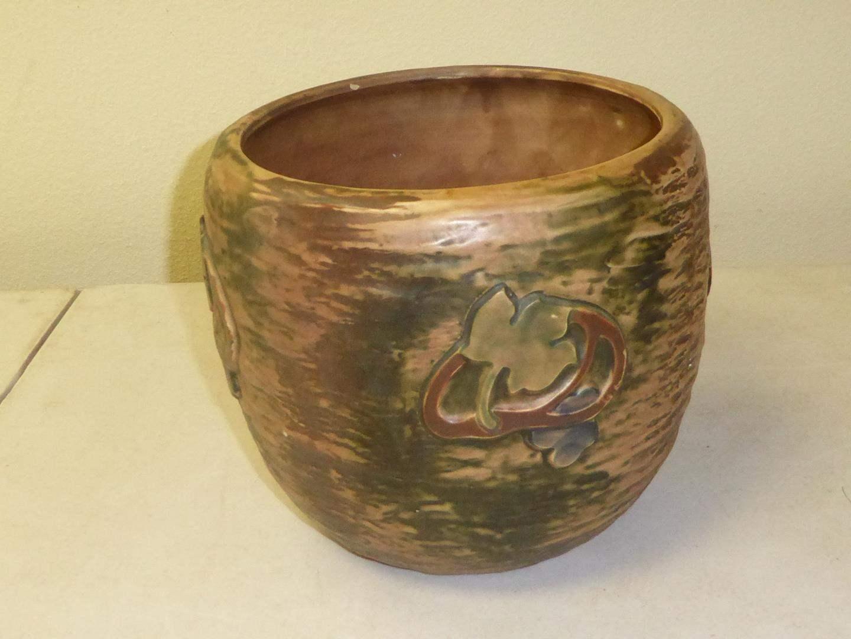 Lot # 77 - Antique 1923-1927 Roseville Pottery Jardiniere (main image)