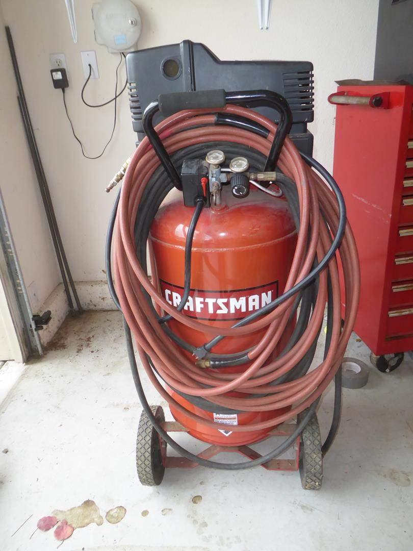 Lot # 67 - 'Craftsman' 5.5 HP 25 Gallon Air Compressor (main image)