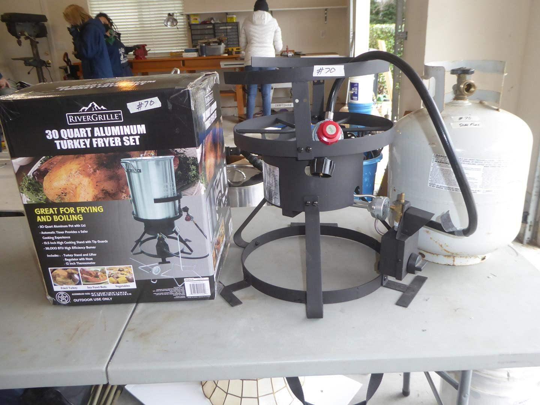 Lot # 70 - River Grille 30 Quart Aluminum Turkey Fryer Set (main image)