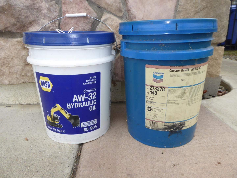 Lot # 34 - NAPA AW-32-Hydraulic Oil(Full) and CHEVRON Rando HD ISO 46 Hydraulic Oil (3/4full) (main image)