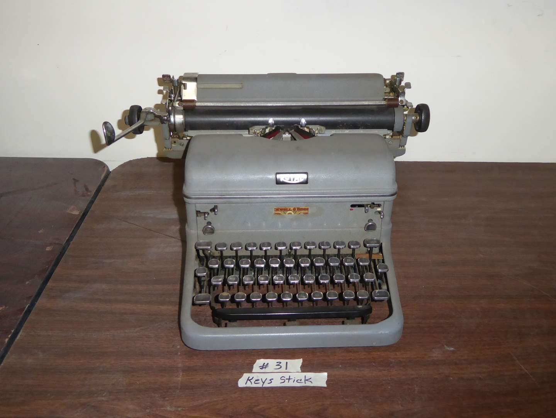 Lot # 31 - Vintage Royal Typewriter   (main image)
