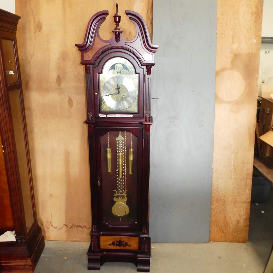 Lot # 142 - Beautiful Grandfather Clock (Works) (main image)