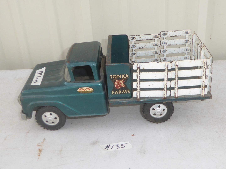 Lot # 135 - Vintage Tonka Toys Farms Truck  (main image)