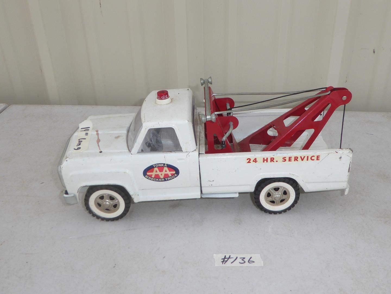Lot # 136 - Vintage Tonka AA Wrecker Truck (main image)