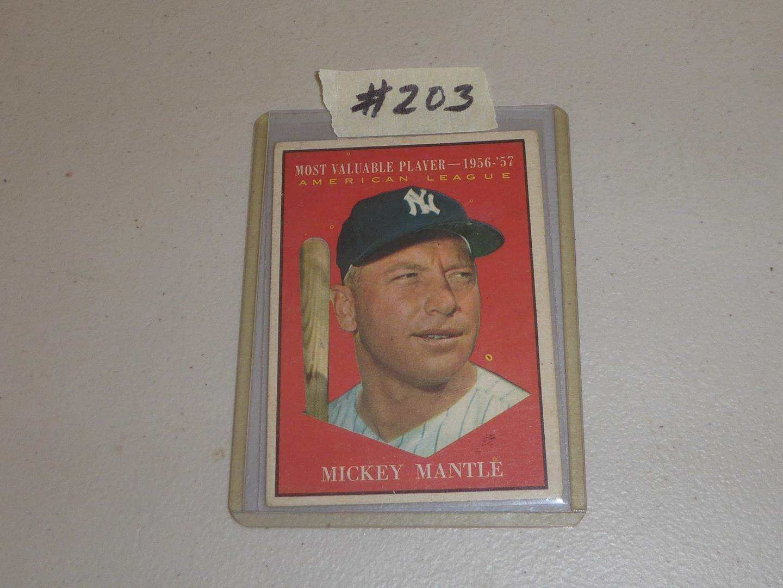 Lot # 203 - Vintage Mickey Mantle Baseball Card (main image)