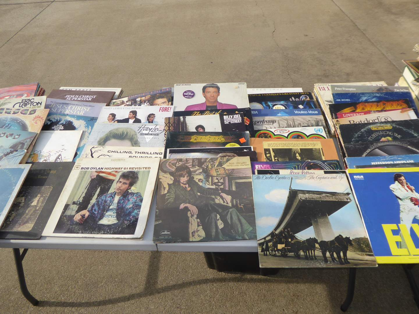 Lot # 1 - Lot Of 100 Records  (main image)