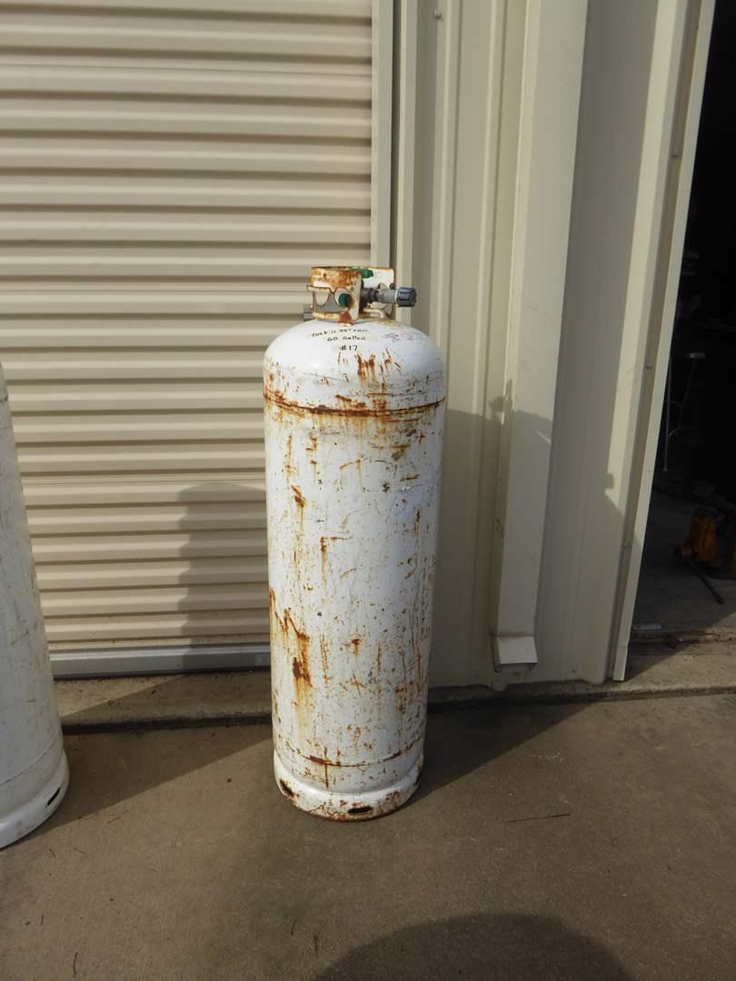 Lot # 17 - 60 Gallon Tank (main image)