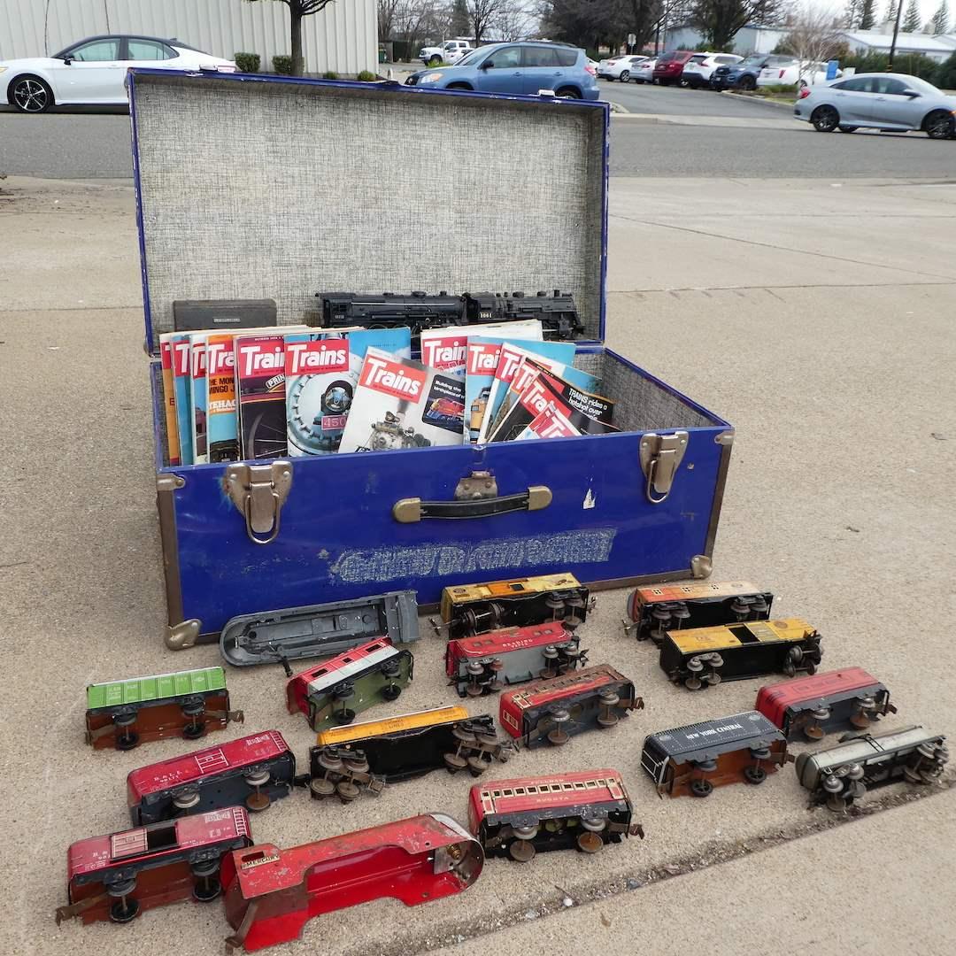 Lot # 334 - Assorted Vintage Trains (Metal) (main image)