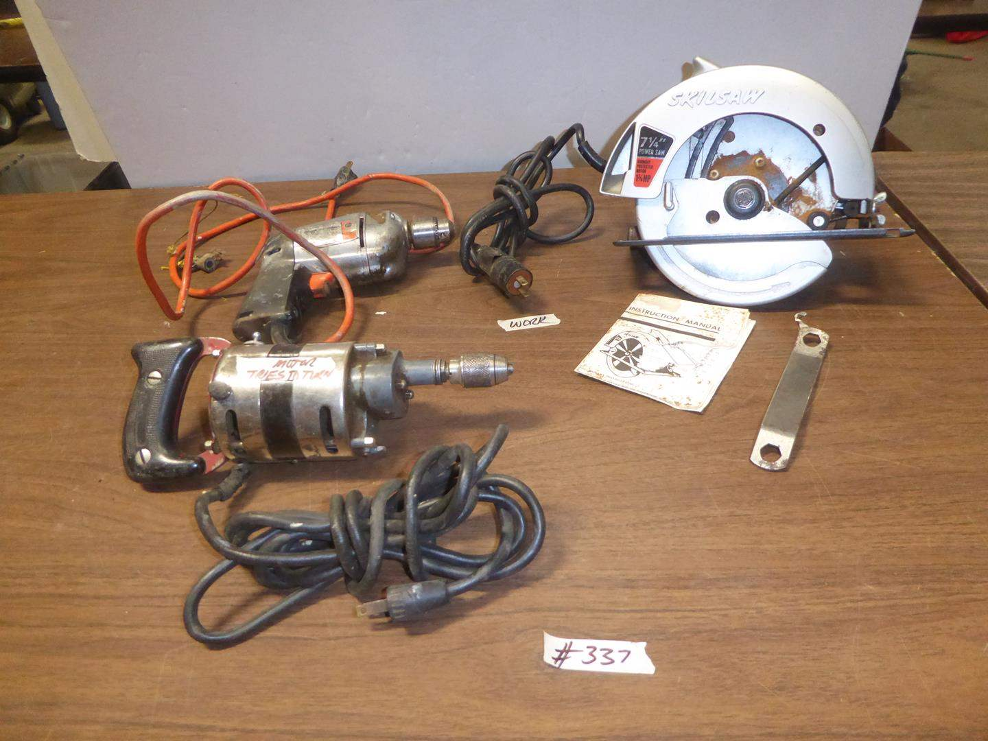 Lot # 337 - Electric Black & Decker Drill, Skilsaw Circular Saw & Vintage Drill (main image)