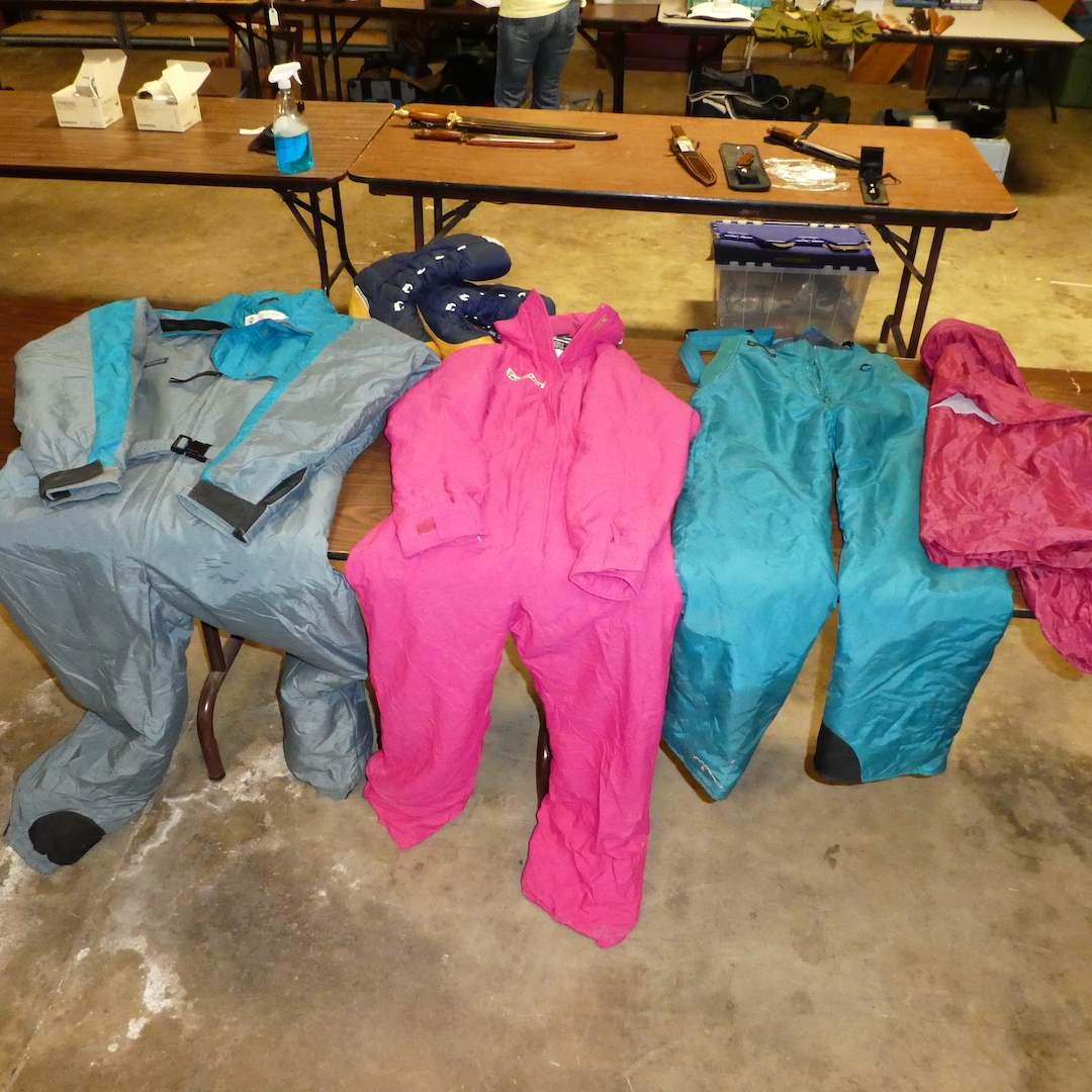 Lot # 19 - Vintage Snow Gear Lot ( Columbia Mens XL, Women's Columbia SM, MK Sports SM & Sangiorgio Boots Sz 7) (main image)