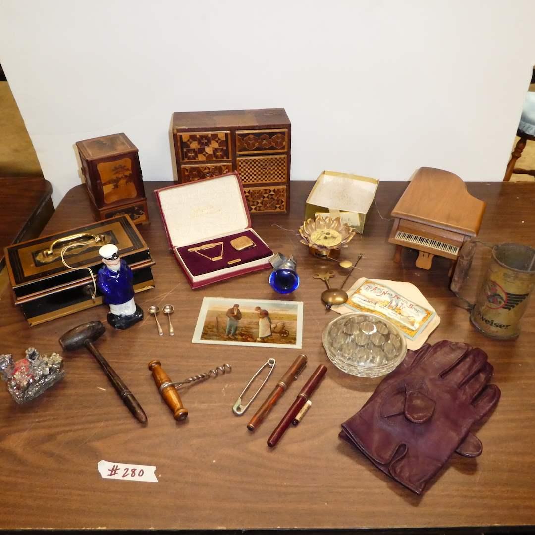 Lot # 280 - Vintage & Antique Collectibles, Wood & Metal Trinket Boxes (main image)