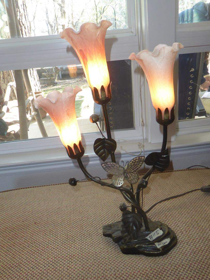 Lot # 115 - Dale Tiffany Butterfly Lily Lamp (main image)