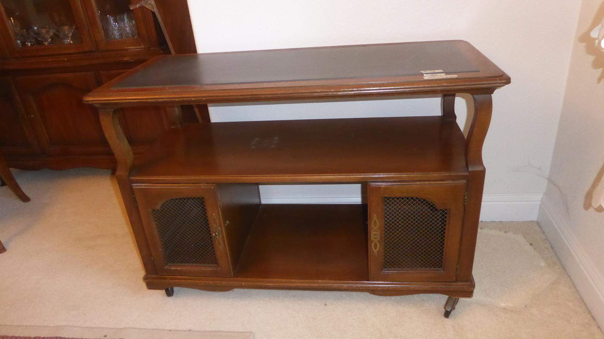 Lot # 128 - Vintage Mid Century Drexel Heritage Wooden Bar Cart Console Table On Wheels (main image)